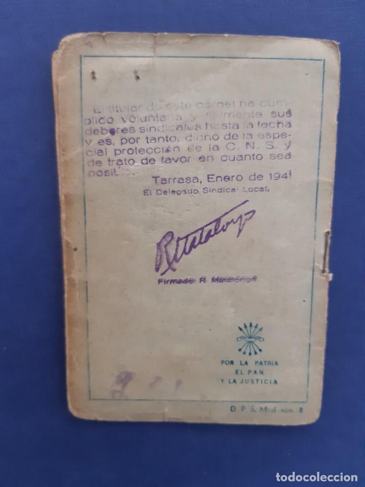Sellos: Carnet CNS Central Nacional Sindicalista. 1940. Con tres tipos de sellos diferentes. - Foto 5 - 233007335