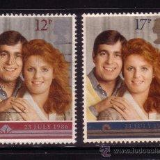 Sellos: GRAN BRETAÑA 1236/37 - AÑO 1986 - BODA DEL PRÍNCIPE ANDREW Y MISS SARAH FERGUSON. Lote 33604245