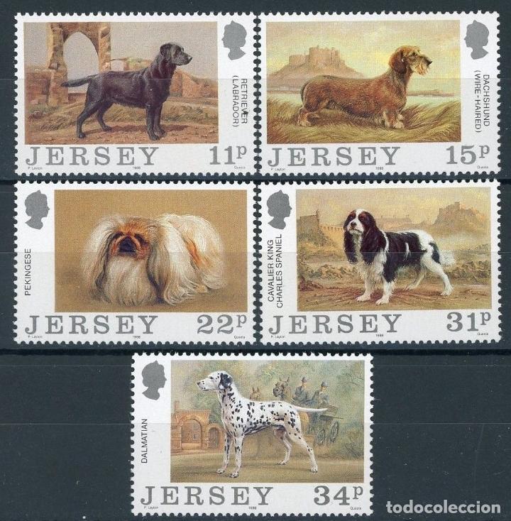 JERSEY 1988 IVERT 424/8 *** CENTENARIO DEL CLUB CANINO DE JERSEY - FAUNA - PERROS (Sellos - Extranjero - Europa - Gran Bretaña)
