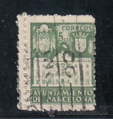 ,,BARCELONA 35 USADA, VARIEDAD DOBLE PERFORADO VERTICAL, FACHADA DEL AYUNTAMIENTO (Sellos - España - Guerra Civil - Beneficencia)