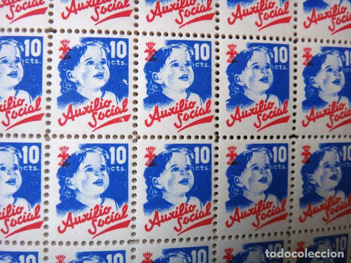 Sellos: LIBRO CON 5000 VIÑETAS GUERRA CIVIL , AUXILIO SOCIAL DE 10 CTS. VER FOTOS , ORIGINAL - Foto 4 - 121257903