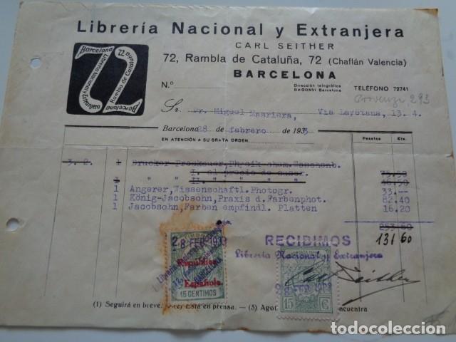 Sellos: BARCELONA. LIBRERIA NACIONAL Y EXTRANJERA. 1933. 2 TIMBRES/VIÑETAS 15 CÉNTIMOS. SOBRE FACTURA - Foto 2 - 132302746