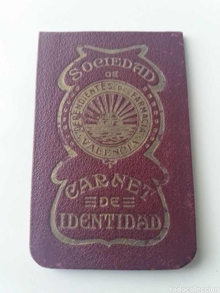 VALENCIA.SOCIEDAD DE DEPENDIENTES DE FARMACIA DE VALENCIA. CARNET IDENTIDAD DE JATIVA. 57 CUPONES (Sellos - España - Guerra Civil - Beneficencia)