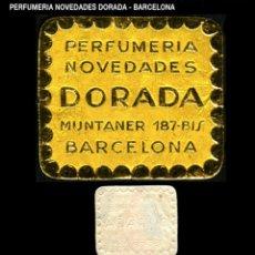 Sellos: VIÑETA / ETIQUETA - PERFUMERÍA NOVEDADES - DORADA - BARCELONA - REF811. Lote 184767446