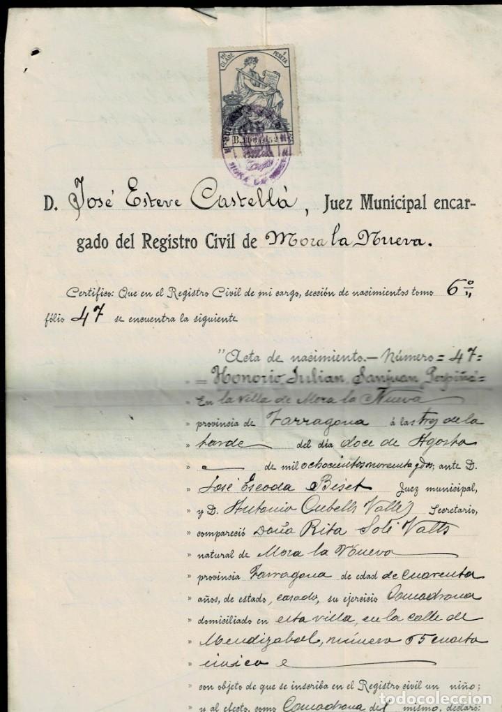 Sellos: L26-13 MORA LA NUEVA (Tarragona) ACTA DE NACIMIENTO con sello fiscal de 11ª Clase de 1 peseta AZUL y - Foto 3 - 191498670