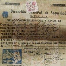 Sellos: SALVOCONDUCTO CON VIÑETA PRO HUÉRFANOS Y ESTAMPA DE 1 PTA 1944. Lote 245391005