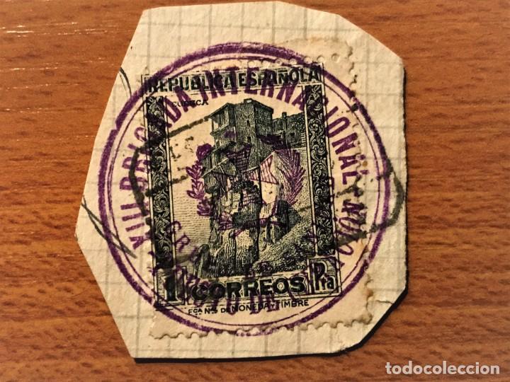 BRIGADAS INTERNACIONALES, SELLO EN FRACMENTO DE CUBIERTA CON MARCA DE LA XIII BRIGADA (Sellos - España - Guerra Civil - De 1.936 a 1.939 - Cartas)