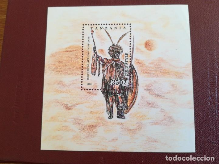 HOJA DE BLOQUE TANZANIA 1993 ÉTNICO CON GOMA (Sellos - Temáticas - Historia)