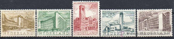 PAISES BAJOS HOLANDA AÑO 1955 YV 634/38*** PRO OBRAS DE BENEFICENCIA - MONUMENTOS ARQUITECTURA (Sellos - Extranjero - Europa - Holanda)