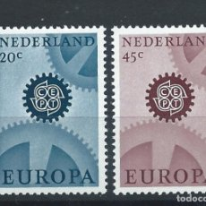 Sellos: PAYS BAS N°850A/51A** (MNH) 1967 - EUROPA (PAPIER PHOSPHORESCENT). Lote 278866498