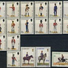 Sellos: GUERNESEY 1974-75-76 IVERT 88/100 113/5 Y 130/1 *** UNIFORMES MILIARES SIGLOS XVIII Y XIX. Lote 258318760