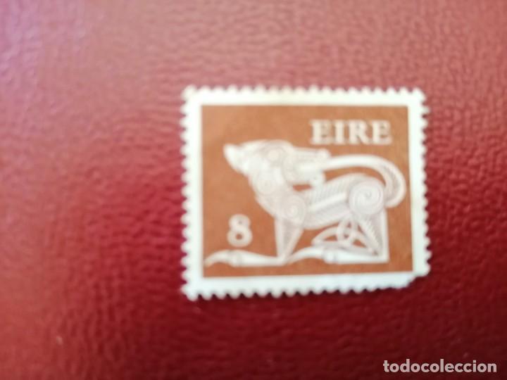 IRLANDA - EIRE - VALOR FACIAL 8 - AÑO 1969 - ANIMALES CELTAS - PERRO (Sellos - Extranjero - Europa - Irlanda)