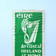 Sellos: SELLO POSTAL IRLANDA 1953 , 2 1/2 P , EN POSTAL IRLANDA EN CASA, USADO. Lote 233547110