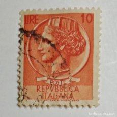 Sellos: ITALIA. SELLO USADO DE 10 LIRE, 1953. SYRACUSEAN COIN. ENVÍO GRATIS POR PEDIDOS DE 3€ Ó MÁS.. Lote 231972285