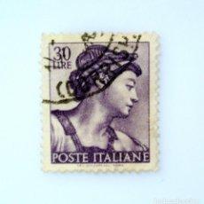 Sellos: SELLO POSTAL ITALIA 1961, 30 LIRA, CABEZA DE LA SIBILA ERITREA, OBRAS DE MIGUEL ÁNGEL ,MARCA STAR I. Lote 251071505