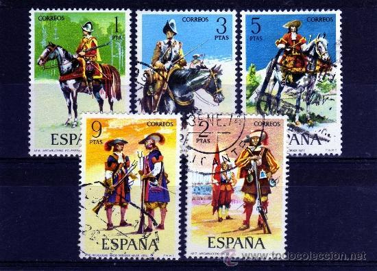 ++ ESPAÑA / SPAIN / SERIE COMPLETA AÑO 1974 YVERT NR.1822/26 USADA UNIFORMES MILITARES (Sellos - España - Juan Carlos I - Desde 2.000 - Usados)