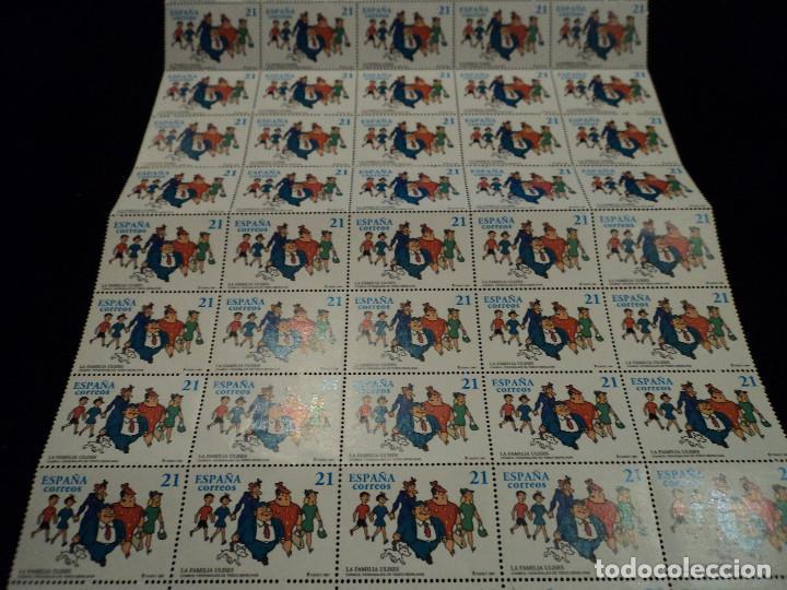 PLIEGO DE 50 SELLOS. 3486 PERSONAJES DE TEBEO: LA FAMILIA ULISES DE MARINO BENEJAM, 1997 (Sellos - España - Juan Carlos I - Desde 1.986 a 1.999 - Nuevos)
