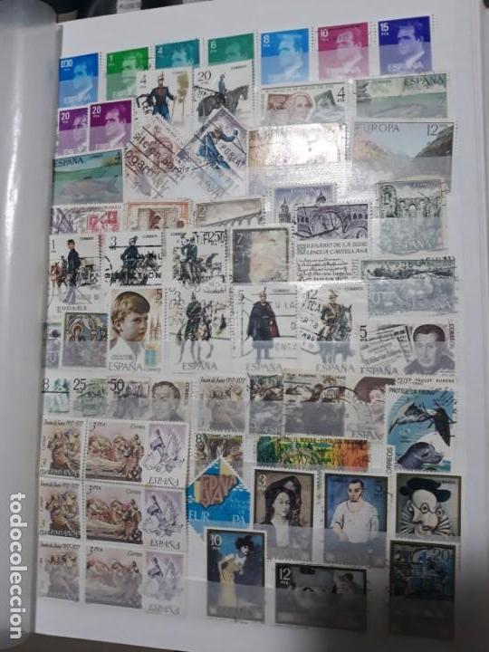 LOTE 70 SELLOS USADOS ESPAÑA. PERIODO 1977 A 1978. DIFERENTES. 2 IMAGENES (Sellos - España - Juan Carlos I - Desde 1.975 a 1.985 - Usados)