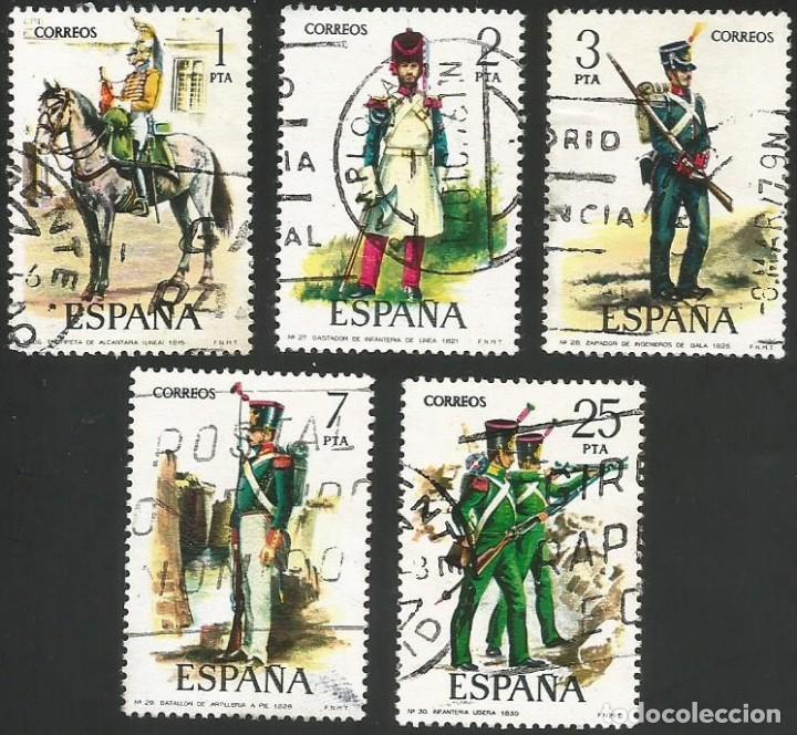 ESPAÑA 1976 - ES 2350 A 2354 - UNIFORMES MILITARES (VI) - SERIE USADA (Sellos - España - Juan Carlos I - Desde 1.975 a 1.985 - Usados)