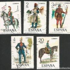 Sellos: ESPAÑA 1977 - ES 2381 A 2385 - UNIFORMES MILITARES (VII) - SERIE USADA. Lote 162957862