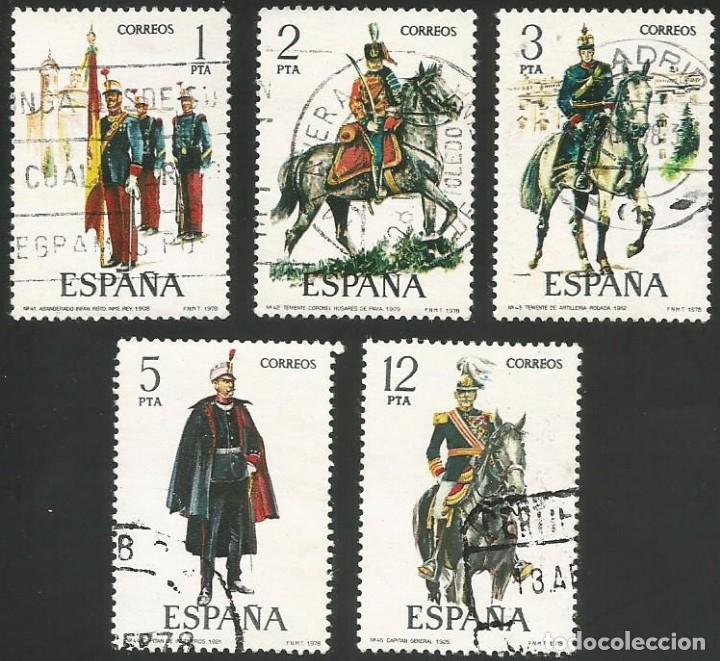 ESPAÑA 1978 - ES 2451 A 2455 - UNIFORMES MILITARES (IX) - SERIE USADA (Sellos - España - Juan Carlos I - Desde 1.975 a 1.985 - Usados)