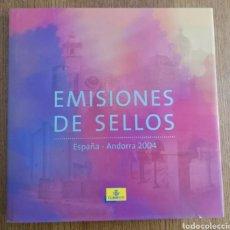 Sellos: LIBRO OFICIAL DE CORREOS 2004 CON TODOS LOS SELLOS (FOTOGRAFÍA REAL). Lote 179401242