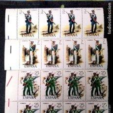 Sellos: ESPAÑA. 2350/54 UNIFORMES MILITARES. 1976. BLOQUE DE OCHO. SELLOS NUEVOS Y NUMERACIÓN EDIFIL.. Lote 191364451