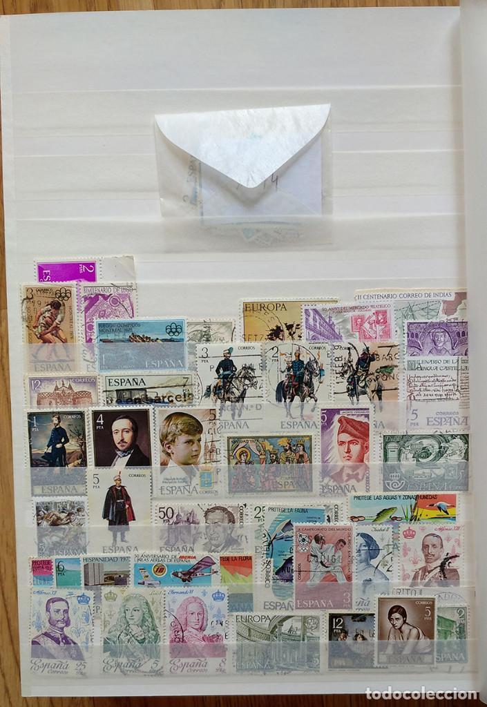 Sellos: Lote. Álbum con más de 500 sellos de España usados. VER FOTOGRAFÍAS - Foto 3 - 196269017