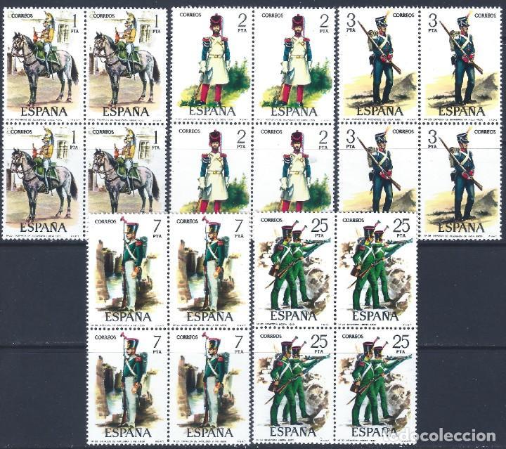 EDIFIL 2350-2354 UNIFORMES MILITARES (VI GRUPO) 1976 (BLOQUES DE 4). MNH ** (Sellos - España - Juan Carlos I - Desde 1.975 a 1.985 - Nuevos)