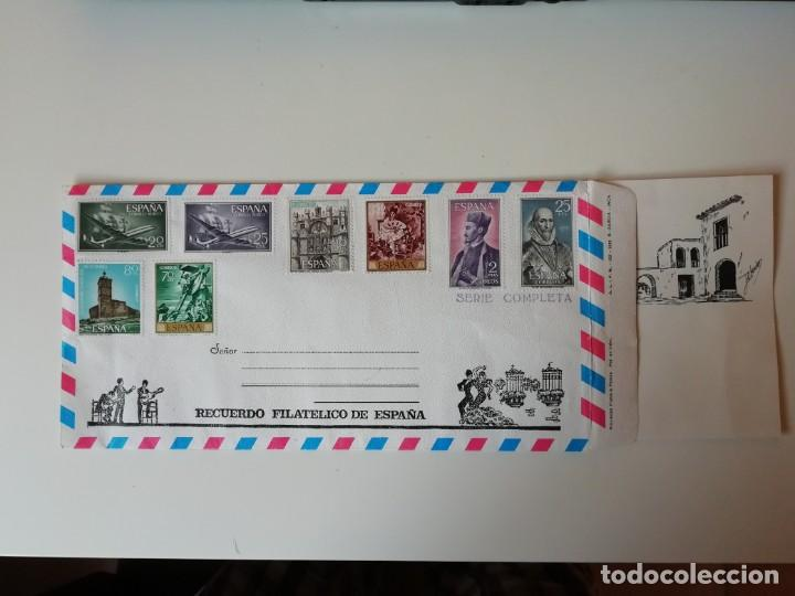 SOBRE RECUERDO FILATÉLICO DE ESPAÑA (Sellos - España - Juan Carlos I - Desde 1.975 a 1.985 - Cartas)