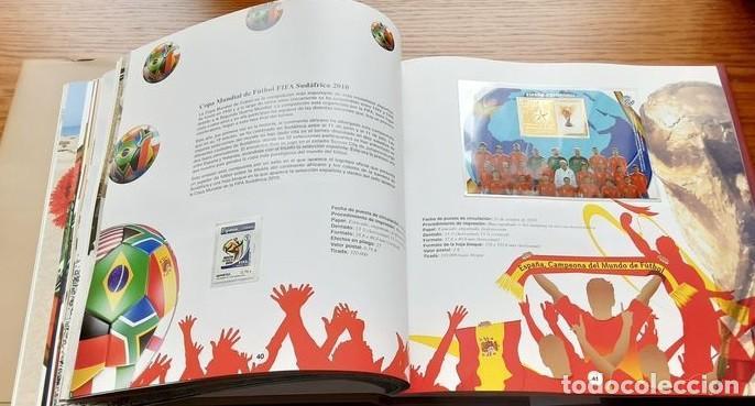 Sellos: Libro oficial de correos año 2010 con todas las emisiones de sellos de España y Andorra del año 2010 - Foto 2 - 212063091