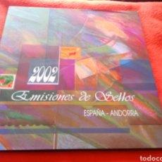 Sellos: LIBRO OFICIAL DE CORREOS DE EMISIONES DE SELLOS DE ESPAÑA Y ANDORRA 2002. TAL CUAL SE VE.. Lote 252968010