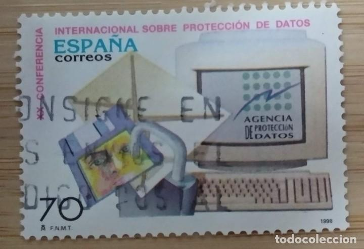 1998. ESPAÑA. CONFERENCIA INTERNACIONAL SOBRE PROTECCIÓN DE DATOS. (Sellos - España - Juan Carlos I - Desde 1.986 a 1.999 - Usados)