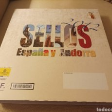 Sellos: LIBRO OFICIAL DE CORREOS DE EMISIONES DE SELLOS DE ESPAÑA Y ANDORRA 2012. CON SELLOS Y FILOESTUCHES. Lote 290612023