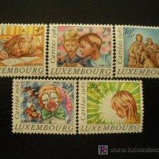 Sellos: LUXEMBURGO 1985 IVERT 1088/92 *** CARITAS - JUEGOS INFANTILES Y NAVIDAD. Lote 24142010
