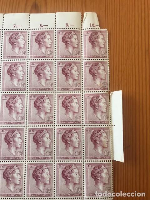Sellos: Hoja de 100 sellos de Luxembourg, Yvert & tellier nº 580A de 10c - Foto 2 - 205015290
