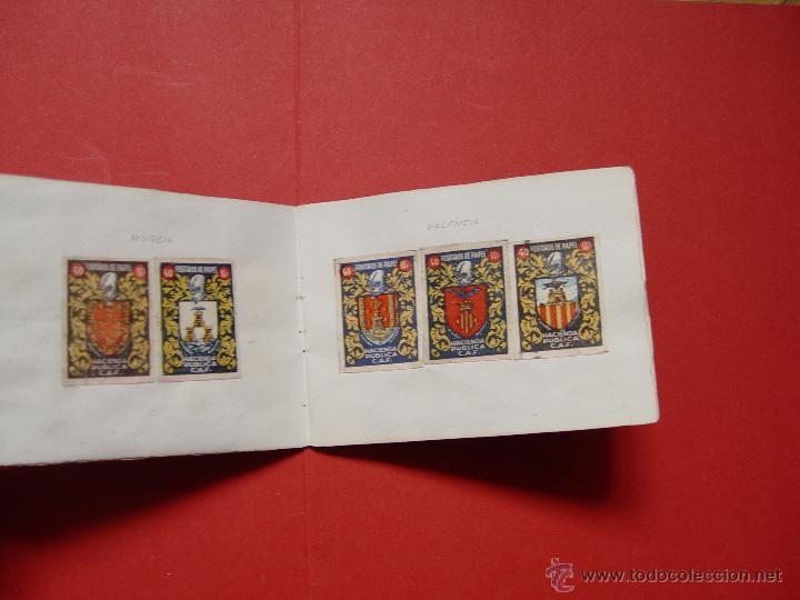 Sellos: ESCUDOS ESPAÑOLES (FÓSFOROS DE PAPEL) (1940-50's) Colección completa: 50 cromos. Coleccionista - Foto 2 - 53679651