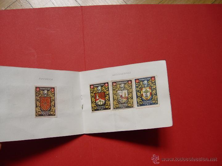 Sellos: ESCUDOS ESPAÑOLES (FÓSFOROS DE PAPEL) (1940-50's) Colección completa: 50 cromos. Coleccionista - Foto 5 - 53679651