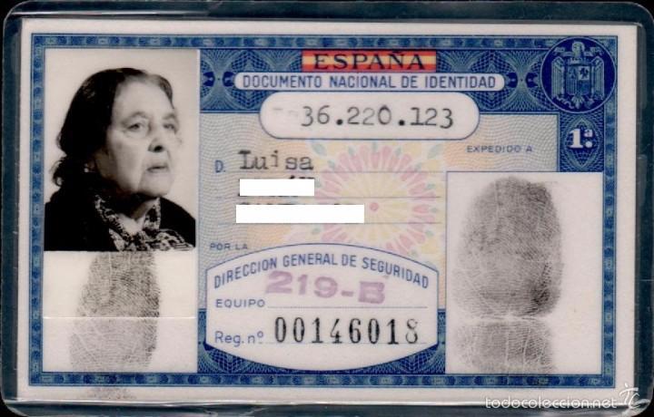 DNI 36.220.123 - C10-2 - CARNET DE IDENTIDAD EXPEDIDO EN BARCELONA EL 26 DE FEBRERO DE 1980 PERTENE (Sellos - Material Filatélico - Otros)