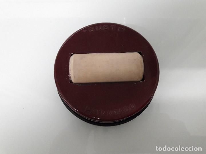 Sellos: RECIPIENTE PARA PEGAR SELLOS - MARCA BUSTI - PATENTADO - Plástico y goma - Foto 2 - 163985130