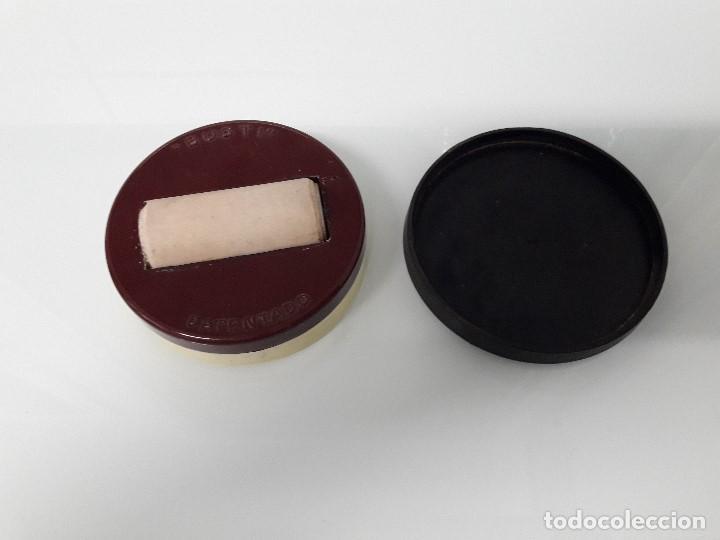 Sellos: RECIPIENTE PARA PEGAR SELLOS - MARCA BUSTI - PATENTADO - Plástico y goma - Foto 3 - 163985130