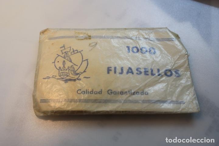 SOBRE FIJASELLOS (Sellos - Material Filatélico - Otros)