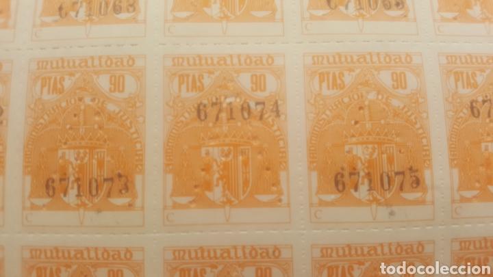 Sellos: Pliego de 50 sellos de Mutualidad Judicial de 90 ptas sin usar - Foto 2 - 206533958