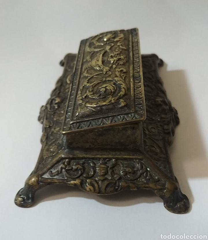 Sellos: Antigua caja de escribania para guardar sellos o tintero del siglo XVIII - Foto 3 - 240087540