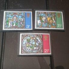 Timbres: SELLOS DE GRAN BRETAÑA NUEVOS/1971/NAVIDAD/VIDRIERAS DE CATEDRAL CANTERBURY/ARTE/RELIGION/CABALLOS/R. Lote 143982614