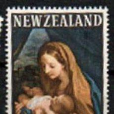 Sellos: NUEVA ZELANDA IVERT Nº 440, NAVIDAD 1966, VIRGEN Y EL NIÑO DE CARLO MARATTA, USADO. Lote 296705628