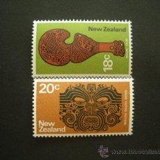 Sellos: NUEVA ZELANDA 1971 IVERT 528/9 *** SERIE BÁSICA - INSTRUMENTOS MAORIS - TOTEM Y CLUB. Lote 32652467