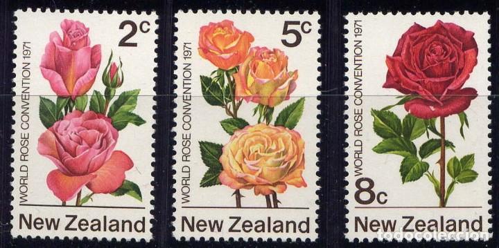 NUEVA ZELANDA 1970 - FLORES - ROSAS - YVERT Nº 551/553** (Sellos - Extranjero - Oceanía - Nueva Zelanda)