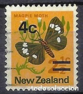 NUEVA ZELANDA 1971-74 - FAUNA, MARIPOSAS, SOBRECARGADO - SELLO USADO (Sellos - Extranjero - Oceanía - Nueva Zelanda)