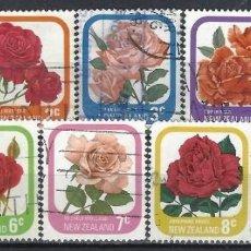 Sellos: NUEVA ZELANDA 1975-79 - FLORA, ROSAS DE JARDÍN, S.COMPLETA - SELLOS USADOS. Lote 211253162